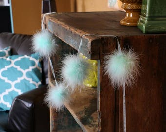 Decorative Marabou Feather Garland Mint