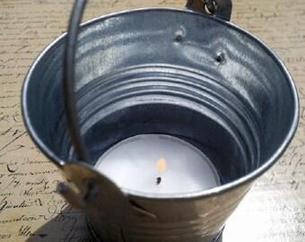 Mini galvanized bucket with tea light