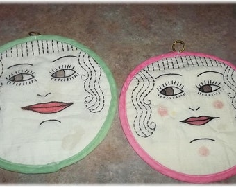 Charming Embroidered Cloth Pot Holder Set Smiling Faces