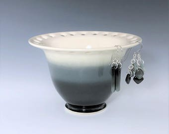 Ceramic Earring Bowl, Gray, Black White Earring Holder, Jewelry Organizer Bowl, Pottery Earring Holder, Jewelry Storage, Earring Dish