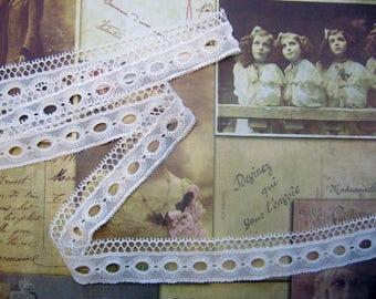 Ivory past Ribbon Ribbon lace retro vintage