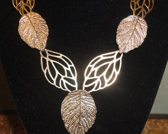 Vintage Brass Leaf Necklace Set******.