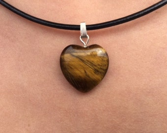 """Heart pendant"" of 1.5 cm Tiger eye (natural stone)"