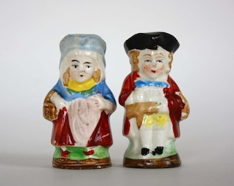 Vintage Colonial Couple Salt and Pepper Shaker Set