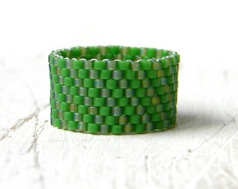6.5 size ring Womens ring size 5 Green ring band Wide band ring Everyday ring Summer ring Ladies fashion ring Peyote beaded ring for women
