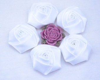20 White Satin Flowers, satin roses, satin fabric roses, ribbon flowers, handmade fabric flower, Satin Rose Flowers, flower cabochon 45x20mm