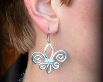 Fleur de Lis - Hammered Wire Earring - Choose Your Own Color