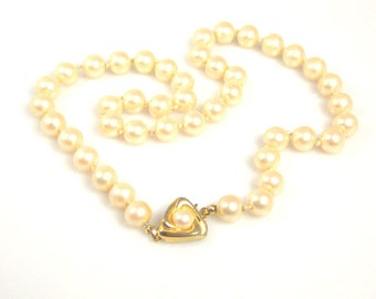 Liz Claiborne Glass Pearl Necklace Hand Knotted Creamy White 1970s
