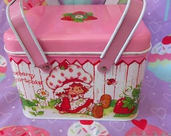 30% OFF! 1982 Strawberry Shortcake Picnic Tin Pink