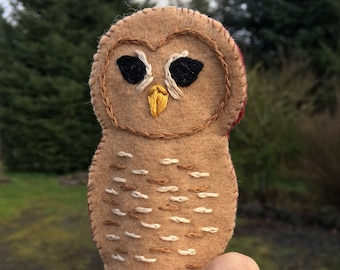 Spotted Owl Felt Embroidered Finger Puppet