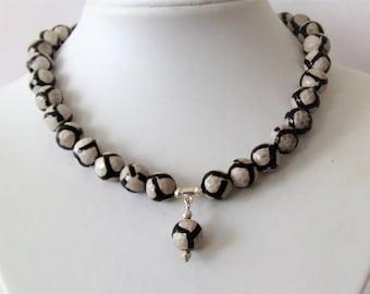 Tibetan agate gemstone necklace