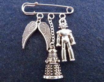 Doctor Who Enemies kilt pin brooch (38mm)