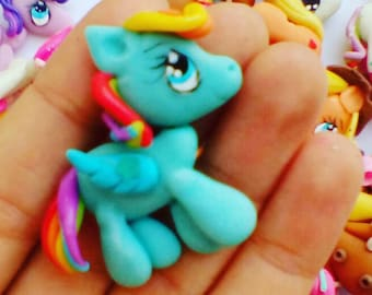 polymer clay hand made my little pony necklace / center of bows / mi pequeño pony en porcelana fria