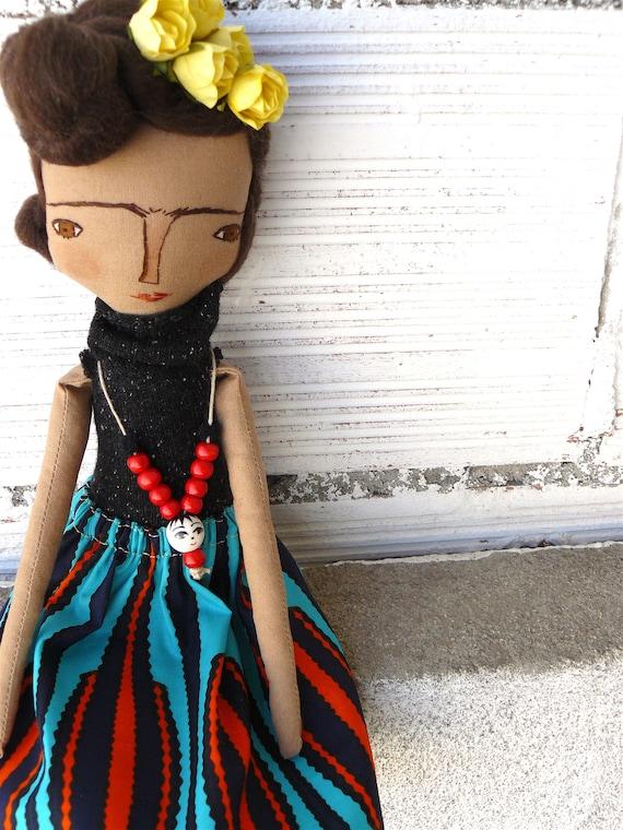 Frida Kahlo cloth doll. 13 inches.  Frida nº 3 2018 series.