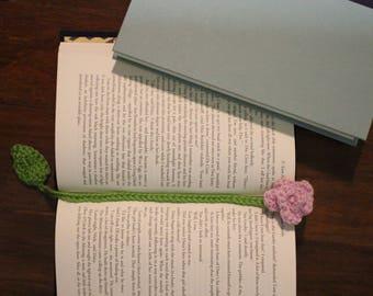 Signet fleur fait à la main au crochet