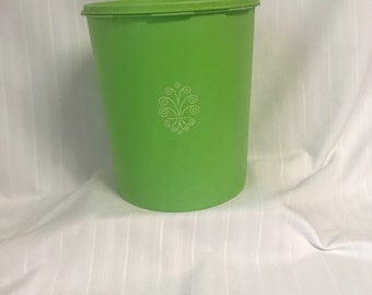 Vintage 25 Cup Lime Green Tupperware Cannister 1339-4