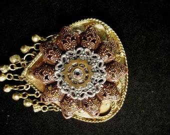 steampunk pin Vintage