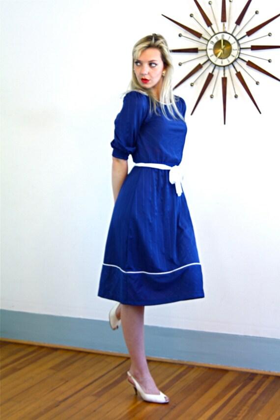 Vintage 1970s Dress, Navy Blue Dress, Pinstripe dress, Puff Sleeve dress, Fit and flare, midi dress, 70s casual dress, petite small dress, S