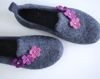 Felted slippers wool clogs, wool slippers felted clogs, grey slippers with purple flowers, natural wool eco wool Custom made colors any size
