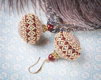 Beaded earrings red & beige