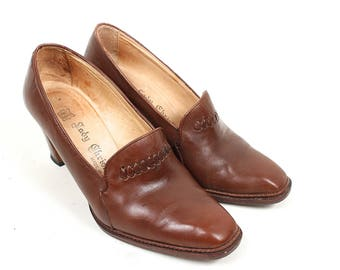 Vintage Brown Leather Shoes - 1960s 1970s Brown Leather High Heels Made in Italy - 60s 70s Leather Chunky Wood Heel Pumps Size 8