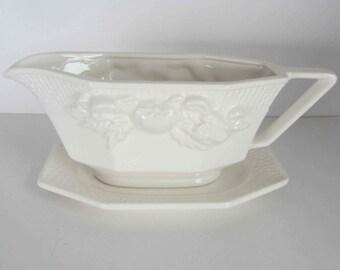 White Vintage Sauce Boat, Gravy boat, White ceramic,