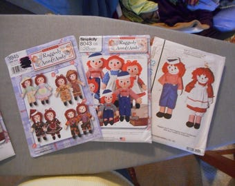 Raggedy Ann and Andy Doll Patterns - NOS, Multiple sizes and styles of clothing