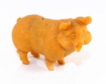 Beautiful Hand Carved Yellow Stone Pig Figurine S9109