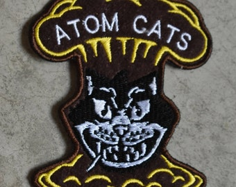 Atom Cats Patches! Sew-on Fallout 4 Atom Cat Patch Embroidered Cloth Wasteland Greaser Custom Patches Buttons Bottlecaps Fall Out Cosplay