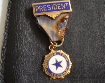LEGION PRESIDENT'S PIN is 2 inch tall by 1 inch wide, See photos and description area for more info.