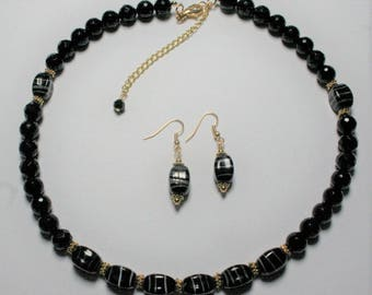 Black Agate Beaded Necklace,  Black Striped Beaded Necklace, Black and Gold Necklace, Women's Jewelry, Necklace and Earrings,