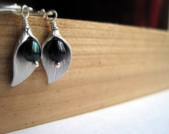 Silver Calla Lily Freshwater Pearl Earrings, Calla Lilly Emerald Pearl Dangle, Bridesmaid Gift