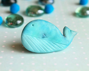 Blue whale / polymer clay brooch