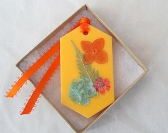 Wax sachet air freshener, Citrus & Sage floral wax tablet, dried pressed flowers, flower decor, botanical sachet,orange hanging sachet