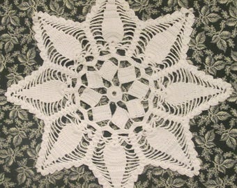 Hand Crocheted Vintage Doily - Round White Doily - 1940s Linens - Vintage Home Decor - OOAK