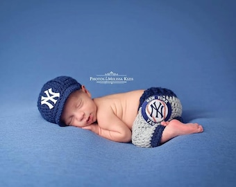 Yankees Outfit Uniform Set - Newborn Baby Photo Prop New York Hat Pants Knitted Crochet, Baby Gift, Photo Prop, MLB