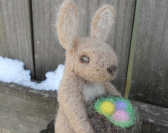 Needle Felt Easter Bunny / Waldorf Easter Rabbit Soft Toy / Spring Decoration Woodland Animal / Pastel Easter Eggs Nest Brown Rabbit