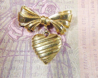 Vintage 1986 AVON Bow and Heart Gold Brooch - BR-440 - Signed AVON Heart and Bow Brooch - Avon Heart Brooch - Avon Bow Brooch