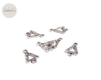 20 connectors 16x10mm cn2-03 geometric silver triangle