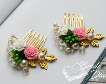 Wedding hair jewelry, small bridal hair comb with white-pink flowers, gold bridal comb