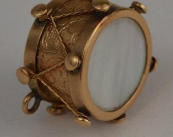 14k Gold 3D Vintage  Design Engraved Mother Of  Pearl   Drum