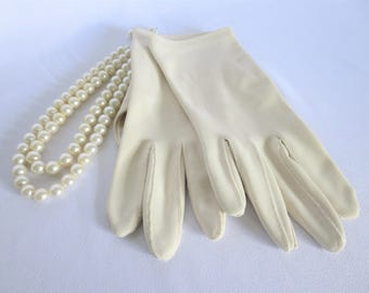 Vintage Gloves, Cream Gloves, Off White Gloves, Gloves, Vintage, Plain Gloves, White Gloves, Beige Gloves, 50s Gloves, Light Beige Gloves
