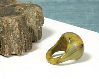 Vintage Bakelite Domed Ring - Dome Ring - Marbled Bakelite Ring - Size 5 1/4 - Butterscotch Mississipi Mud Bakelite Ring - TESTED - Mod Ring