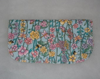 Checkbook Cover Great Gift Flower Trellis Bees Butterflies Pen Included Simple Elegant  Free shipping within US