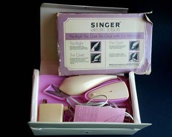 Singer Electric Scissors With Case, Vintage Singer - B4