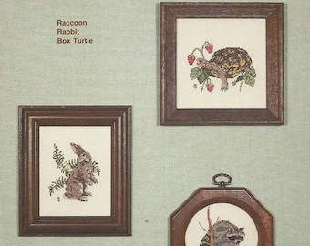Country Cross-Stitch Wildlife Samplers 1978 Vintage Counted Cross Stitch Pattern by Joyce Bailey