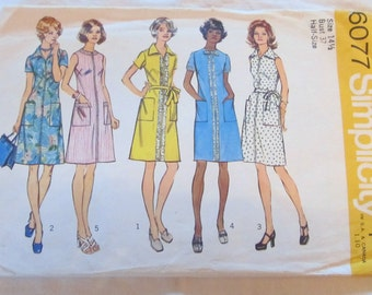 vintage SIMPLICITY DRESS in half sizes--  Simplicity 6077 (1973) --  Misses half size 14 1/2