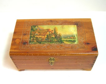 Wood Chest With Country Cottage Design