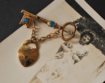 Vintage Coro Lock and Key Brooch