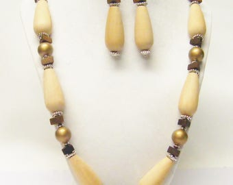 Long Natural Teardrop Wood Bead Necklace & Earrings Set